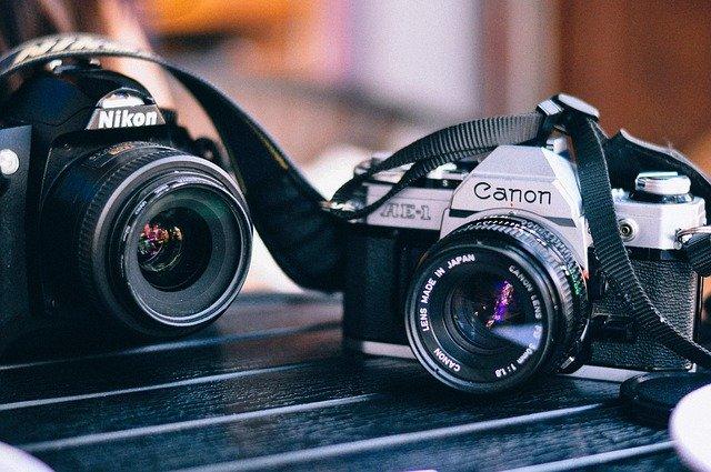foťák Canon a Nikon