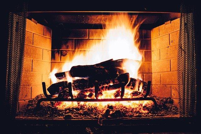 oheň v krbu.jpg